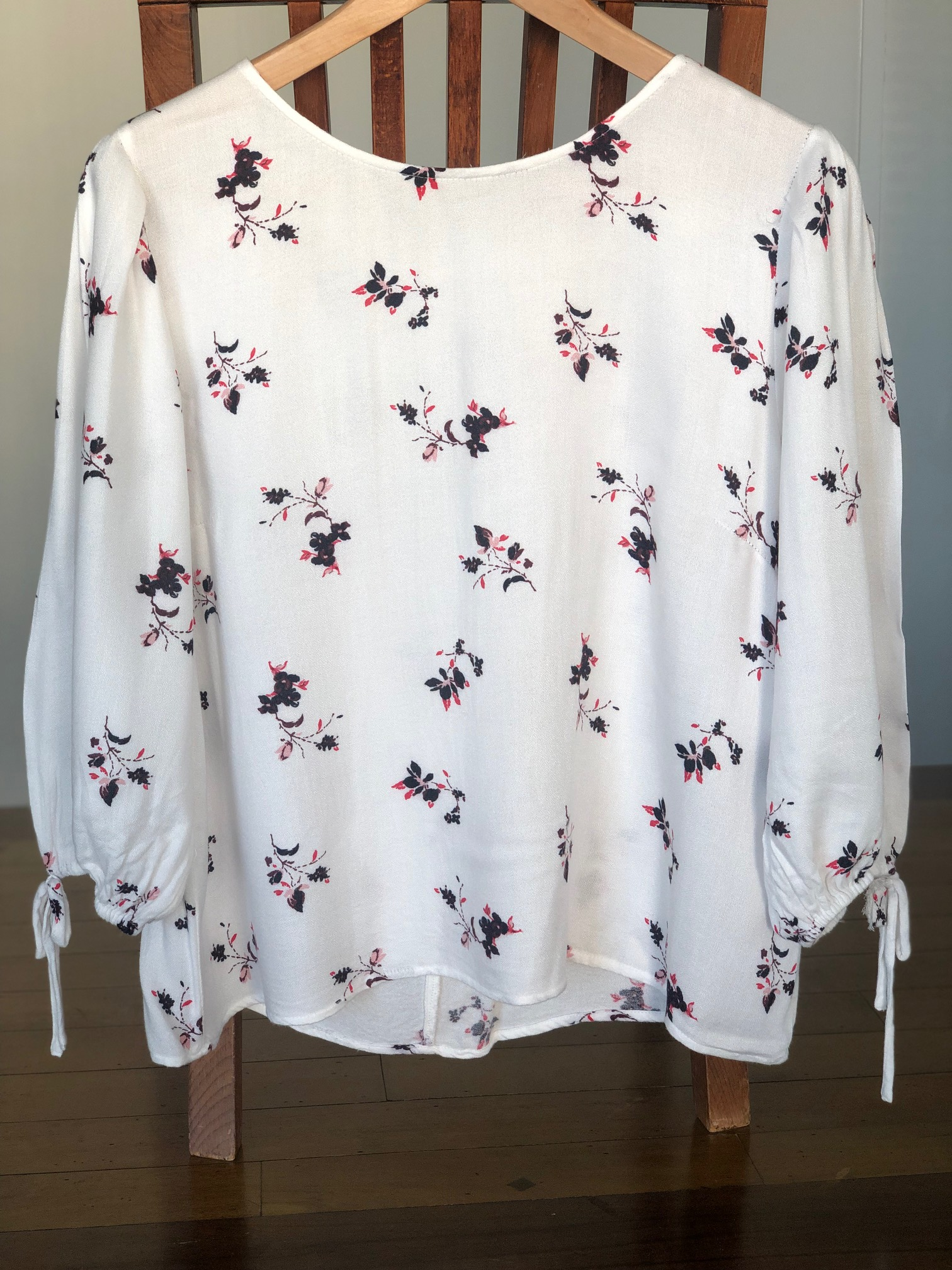 Unknown Unloved Top
